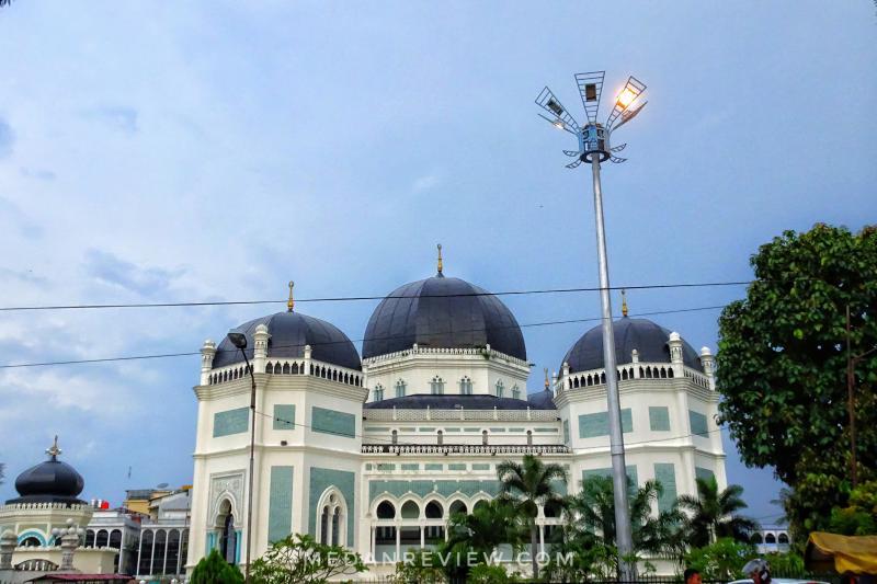 Masjid Raya Medan atau Masjid Raya Al Mashun