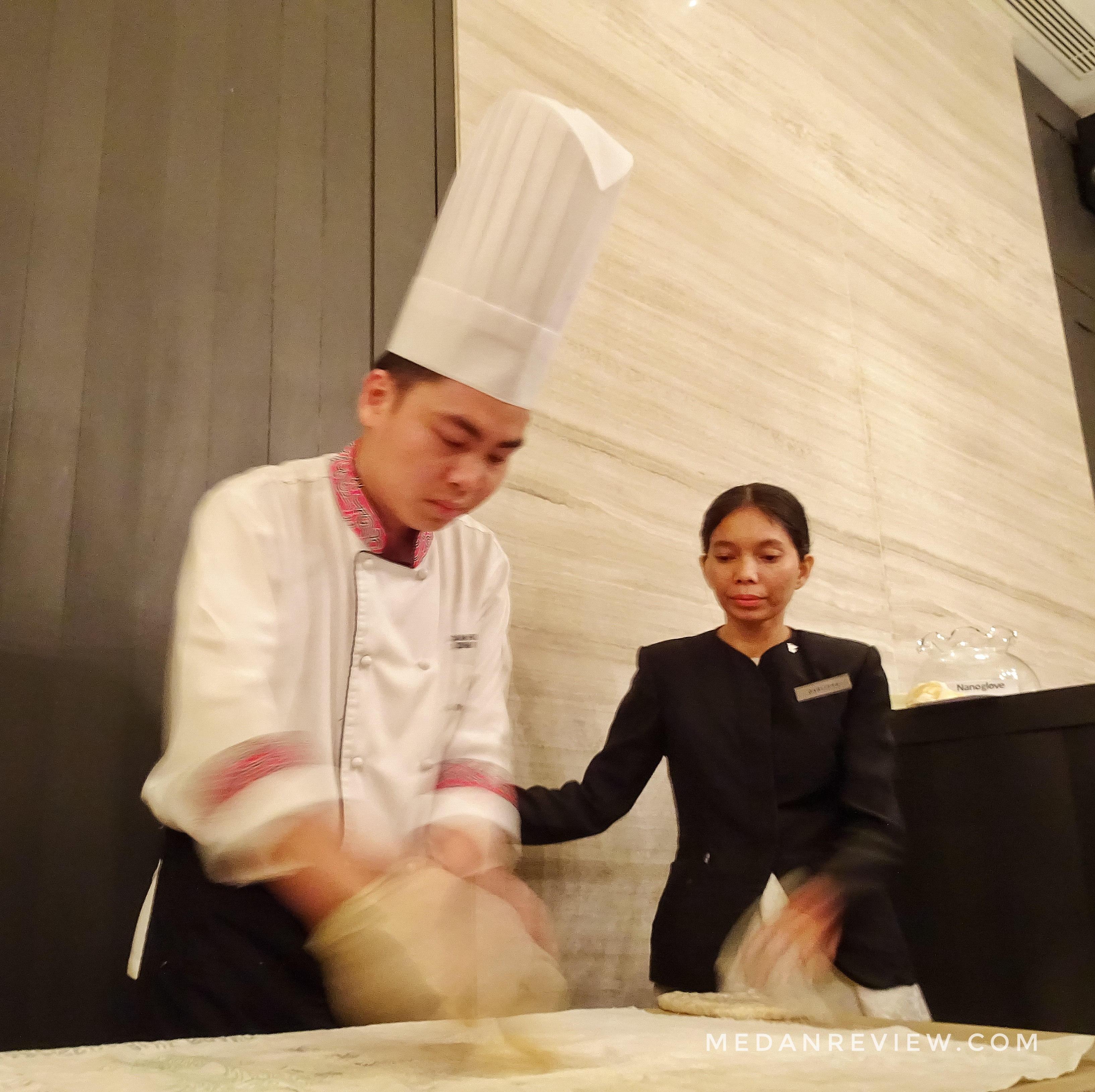 Demo Chef Can Huan Huang Pembuatan Pastry Octopus Pictographic