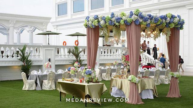 Pesona Roof Garden Adimulia Hotel