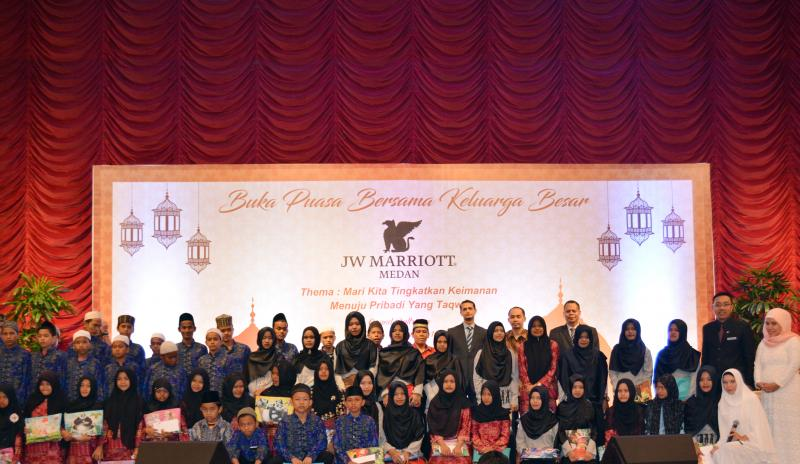 JW Marriott Medan : Berbagi Kebahagiaan Ramadhan dengan Anak-anak Yatim Piatu