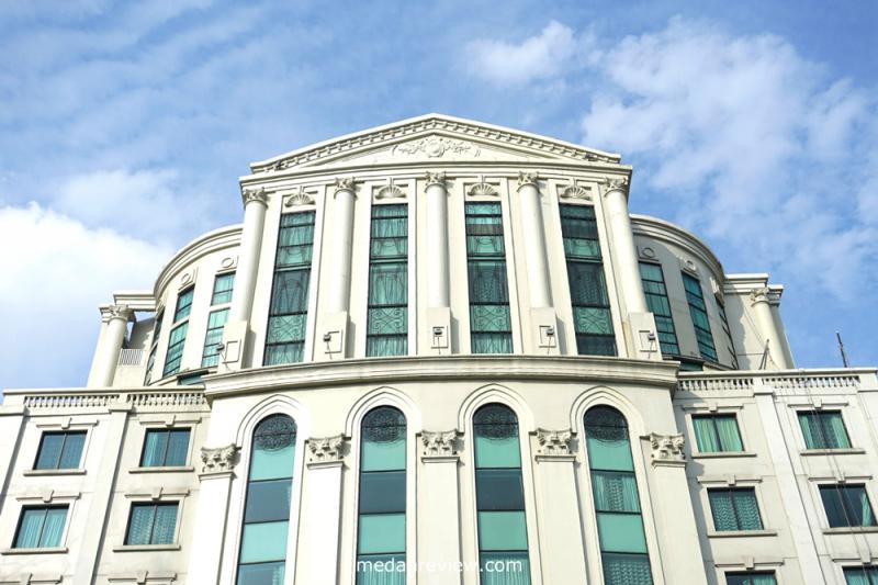 Grand Aston City Hall, Hotel di Kilometer Nol Kota Medan