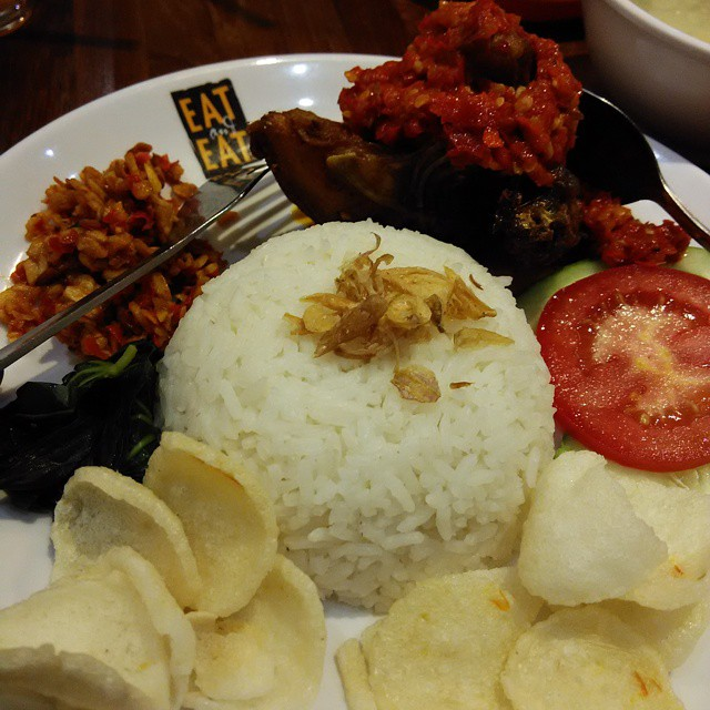 Eat and Eat Centre Point Mall Medan