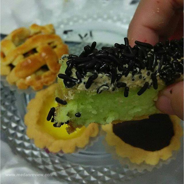 Bolu Jadul, Pie dan Eggtart Angelicious (@angelicious_mdn)