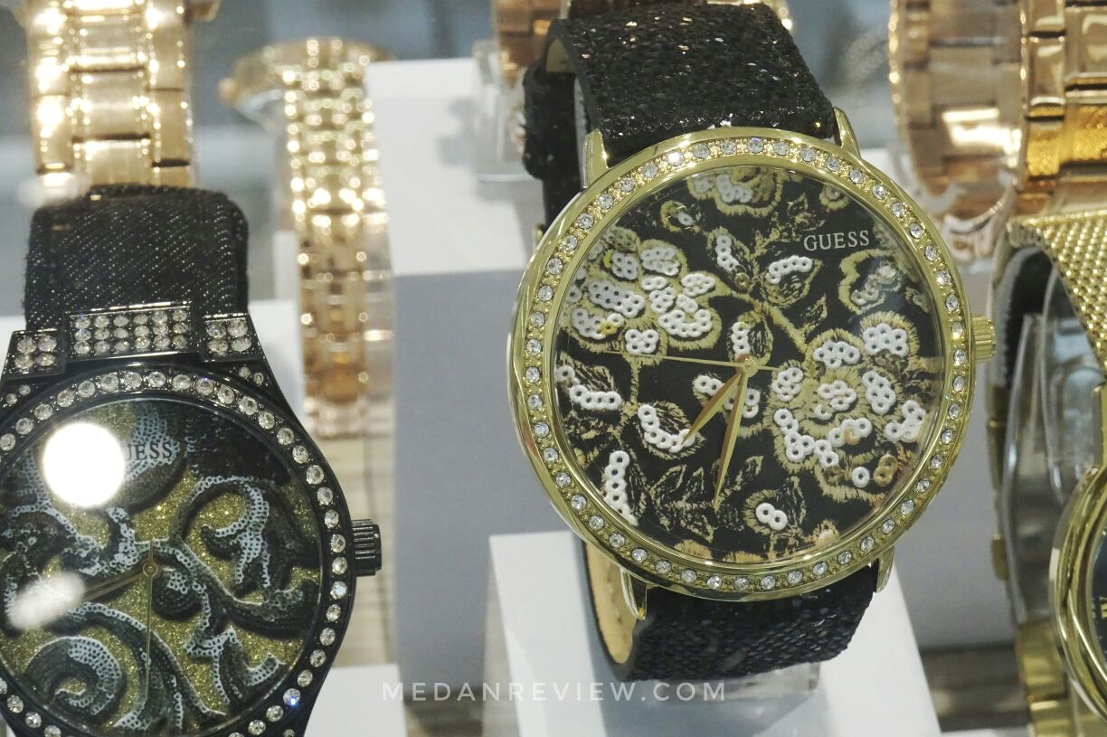 Koleksi Jam Tangan GUESS Accessories Mall Centre Point Medan (2)