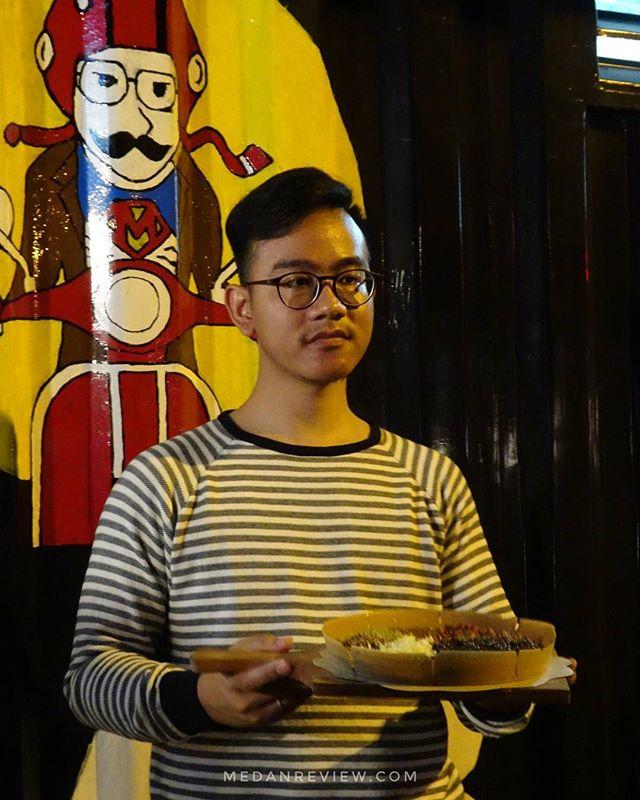 Markobar 1996 Medan - Martabak Anak Presiden Hadir di Ben's Cafe